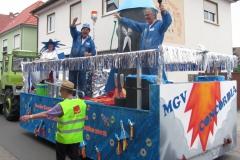 Musik-und-Gesangsverein-MGV-Concordia-Schifferstadt-Rettichfestumzug-2016-Themenwagen-und-milde-Gaben