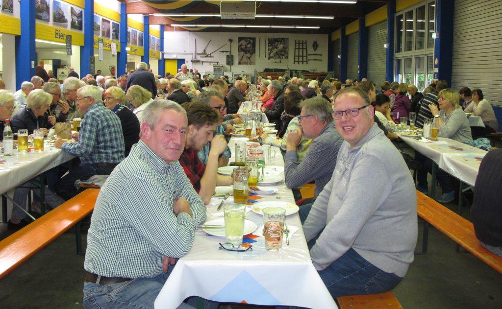 Das gutbesuchte Schlachtfest des Gesangsvereins Concordia in der Waldfesthalle Schifferstadt
